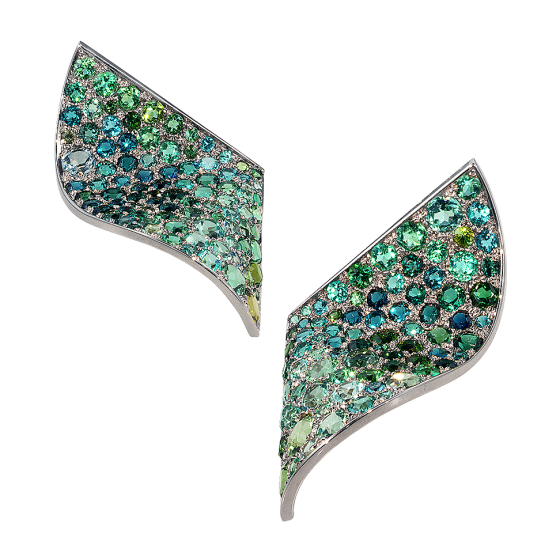 WAVES Earrings green waves green tourmaline tourmaline 750/000 white gold tourmaline earring turmalino earring color green gold earring white gold earring earring manufacture manufactory jewelsmiths munich
