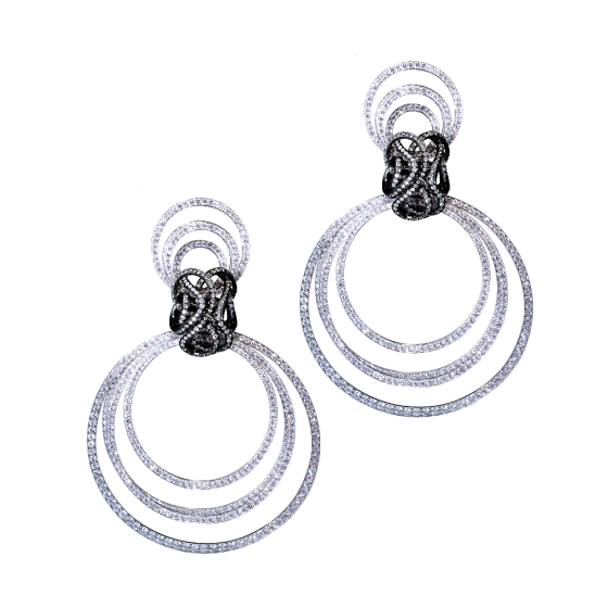CIRCLE OF LIFE Earrings circle-of-life diamond earrings diamonds 750/000 white gold white gold earrings custom diamond gold earring jeweler specialty store THOMAS JIRGENS Jewelsmiths at Kosttor 1 80331 Munich