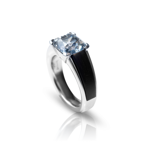 TIMELESS Ring Engagement-Ring Timeless with Diamonds 4.02 Carat Diamond-Ring Diamond-Engagement-Ring Timeless Rings Platinum Iridium Indian Ebony Platinum Ring Platinum-Engagement-Ring Ebony Ebony-Engagement-Ring
